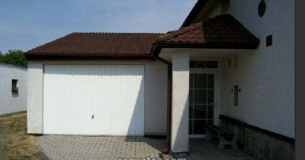 Bán diện tích kinh doanh kèm nhà ở tổng 1.456m2, cách Plzeň 15km
