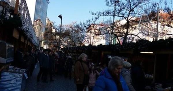 Nhượng lại C H Nail vi trí đẹp nhất quảng trường Praha 4