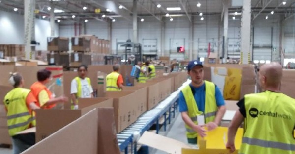 Tuyển công nhân vào làm tại praha 9, đóng gói sản phẩm đồ chơi