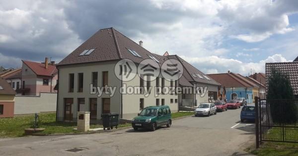 Bán cửa hàng tư nhân 80m2 ở Kamenice nad Lipou, làng 4000 dân