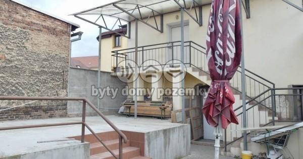 Bán cửa hàng trên ở dưới bán hàng, chủ tư nhân, 887 m2, Chabařovice