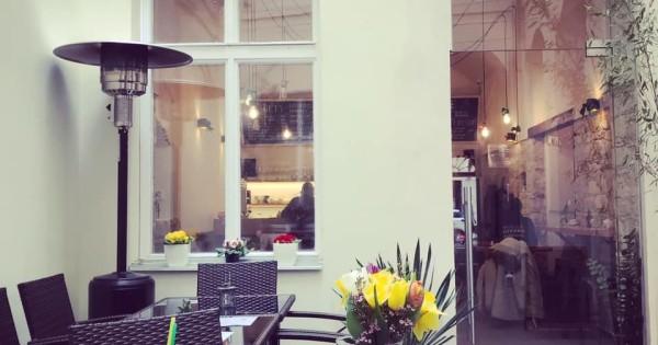 Nhượng quán ăn gần quảng trường con ngựa Praha 1