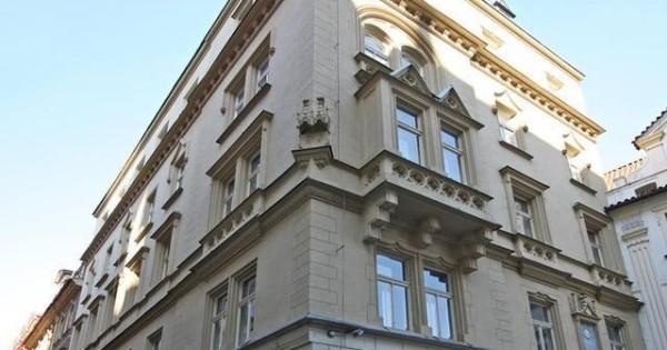 Bán nhà 3+ (78m2) cách quảng trường con Gà 150m Praha 1