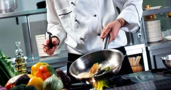 Tuyển phụ bếp cho quán tàu tại Praha 4 mới khai trương