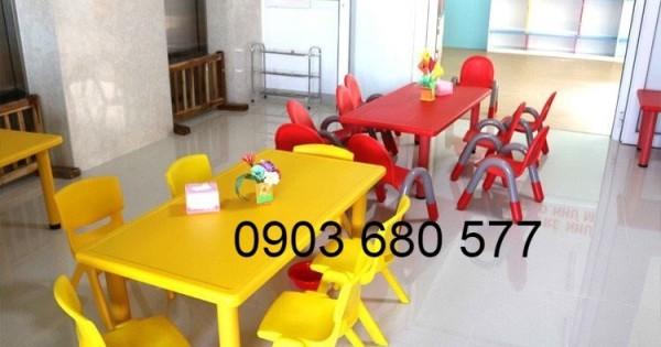 Bàn ghế nhựa mầm non cho trẻ em giá cực TỐT