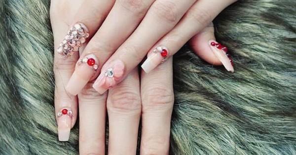 Tiệm ở Bad Säckingen (Đức) cần tìm thợ nails yêu cầu giấy tờ ký được