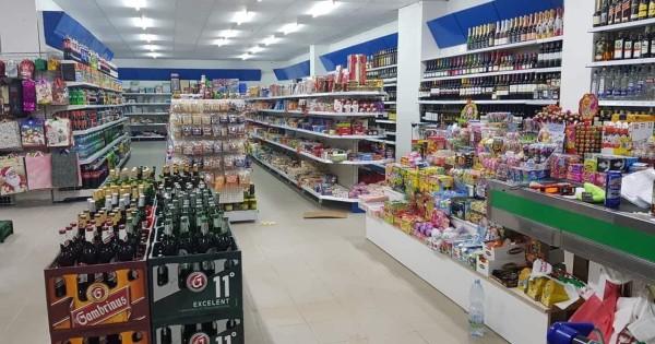 Nhượng lại cửa hàng Potraviny rộng 200m2 tại Čimická , Praha 8