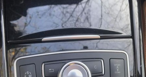 Bán xe E350 AMG đời 2011 tình trạng tốt, Motor còn 5 tháng bảo hành, có thể xem xe và chạy thử thoải mái.