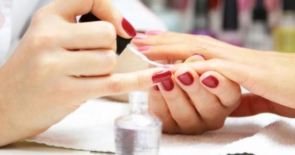 Tiệm nails praha 4, gần khu chợ Sapa Tìm thợ nữ chính biết tiếng giao tiếp