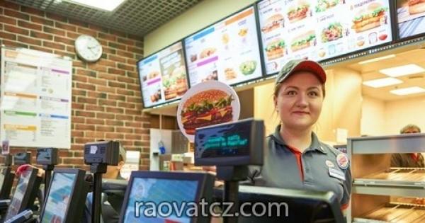 Quán ăn Tàu tại OC Olympia Plzen tuyển nữ Kasa lương 38.000kc