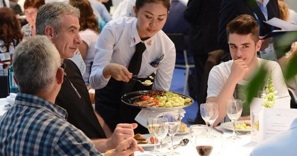 Quán ăn Việt tại Praha 3 cần gấp 1 bồi bàn nam nữ đều được