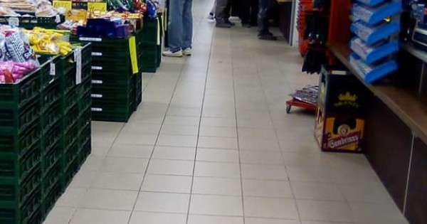 Kho đổ buôn + cửa hàng bán lẻ giá tốt nhất Karlovy Vary