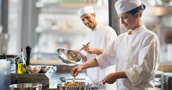 Cần tìm 1 đầu bếp và 1 phụ bếp chuyên đồ Việt làm việc tại Pardubice