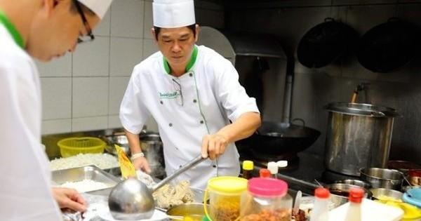 Quán ăn ở Tây Đức, thành phố Freiburg im Breisgau, tìm thợ nấu hoặc phụ bếp