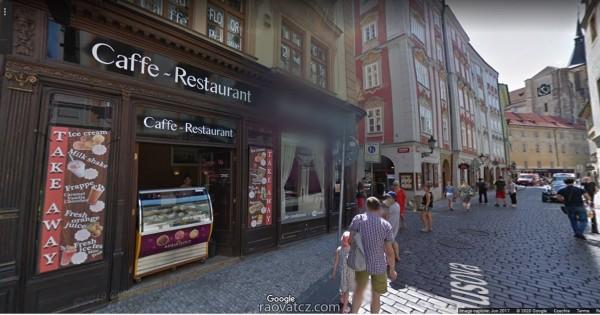 Nhượng  quán Restaurace với dt 202 m2 với 2 cửa từ 2 phố Karlova và Husova, Praha 1