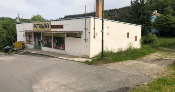 Cần bán BĐS gồm Potraviny và nhà ở, khu vực Vlastějovice, Kutná Hora