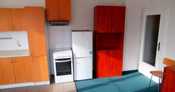 Cần cho thuê nhà 2KK , Praha 4 - Krč